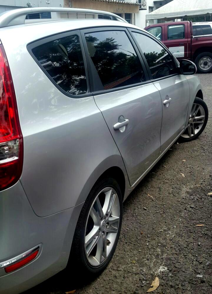 hyundai elantra touring 2012 full extras carros en venta san salvador el salvador. Black Bedroom Furniture Sets. Home Design Ideas